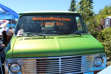 BETTY & KORA DOT LOVES YOU!