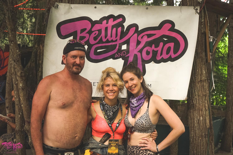 Betty and Kora Photos – Shambhala Music Featival2017_-13